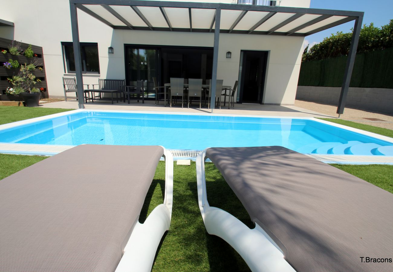 Villa in Cambrils - Villa Milos
