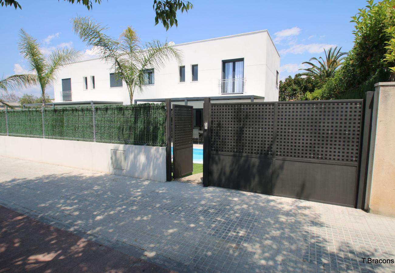 Вилла на Камбрильс - Villa Milos